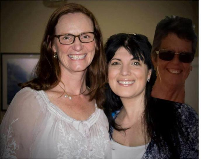 Jenn J McLeod photobombing Louise Allan and Tess Woods